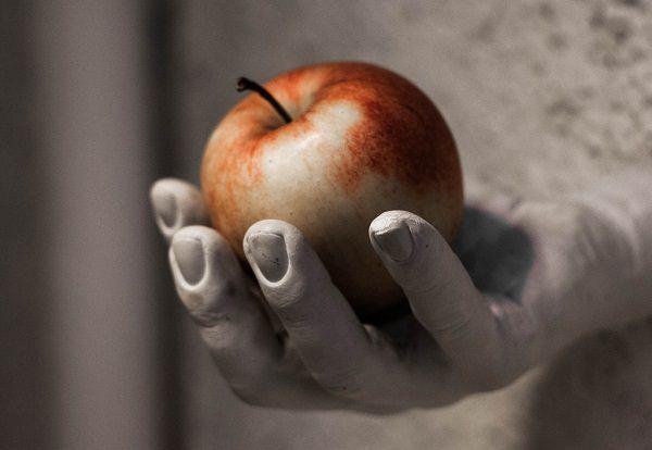 手の中のリンゴ