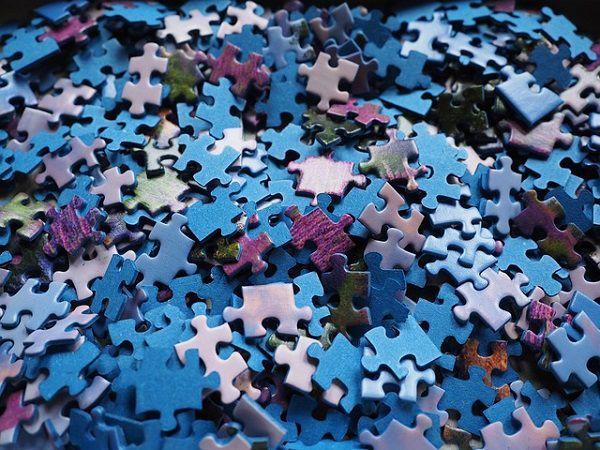 ジグゾーパズルのピース