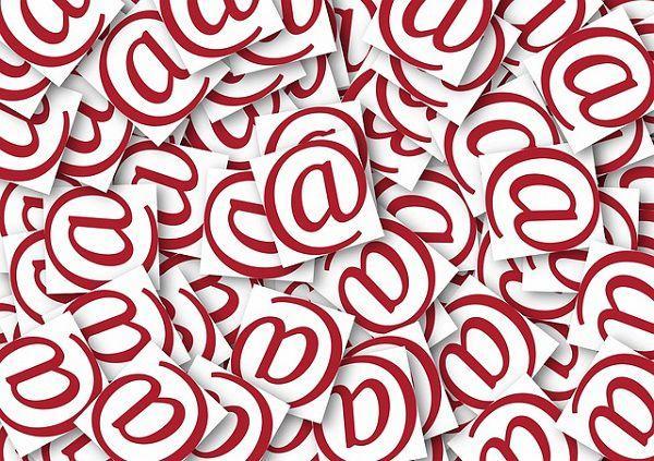 大量のスパムメール