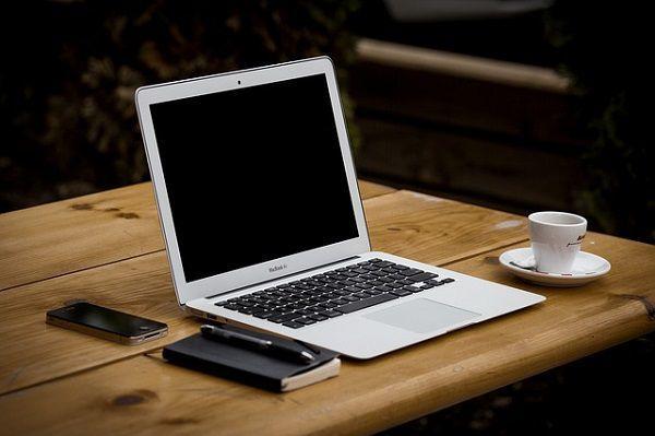 ノートPCとスマホと手帳