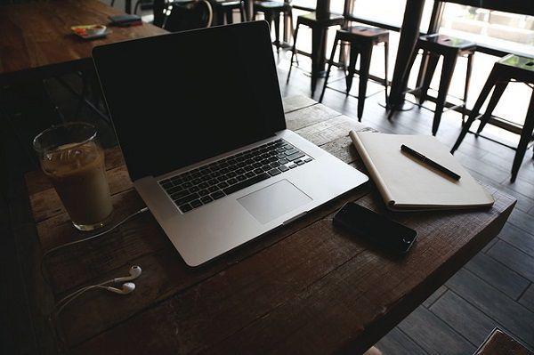カフェでの作業