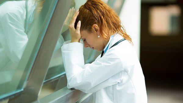 辞めたいと悩む看護師
