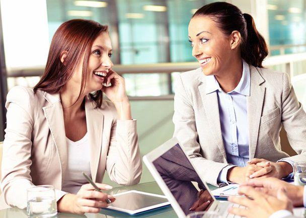 有給消化中に転職先で働く女性
