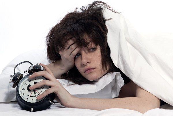 睡眠不足は抜け毛の原因