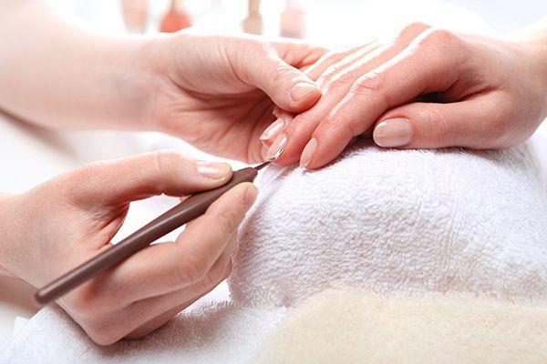 ネイルサロンスタッフの手汗対策