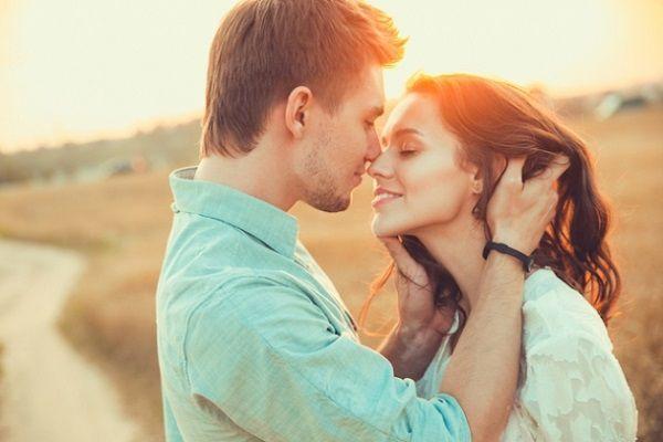 既婚男性とキス4
