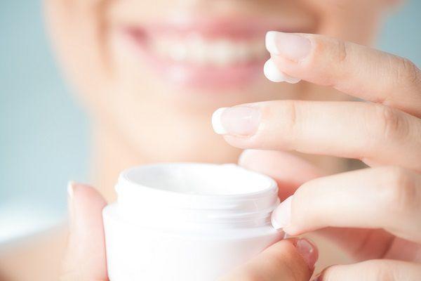 花粉症皮膚炎にはオロナインが効く