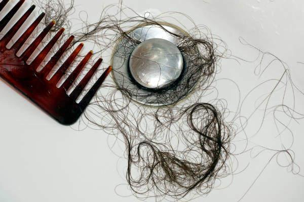 排水溝の抜け毛