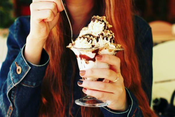 甘い物の食べ過ぎに注意
