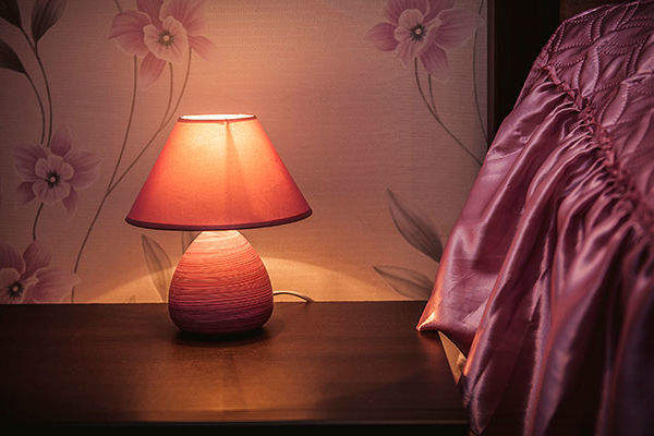 ベッドのランプ