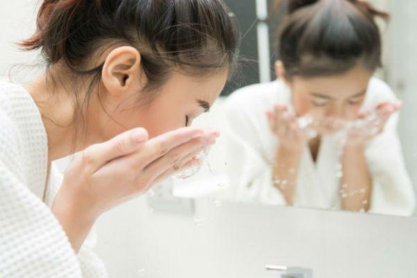 洗顔を頑張る